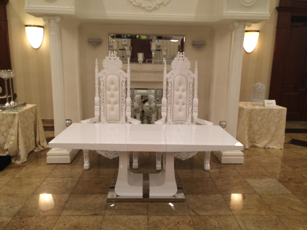 Custom Seating: Aviance Event Planning and Lounge Decor NJ
